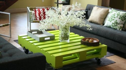 green-pallet-table